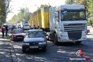 Сегодня в Николаеве произошло ДТП с участием трех легковых автомобилей – пострадавших нет