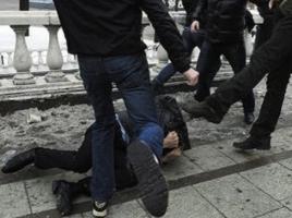 В Херсоне неизвестные избили журналиста