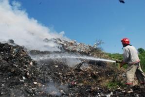 В Николаеве снова горела мусорная свалка