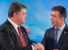 НАТО предоставит Украине помощь в виде поставок летального снаряжения - Порошенко
