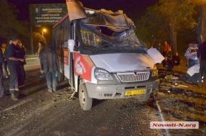 В Николаеве грузовик врезался в маршрутку с пассажирами, есть погибшие