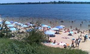 На херсонском пляже игнорируют решение мэрии
