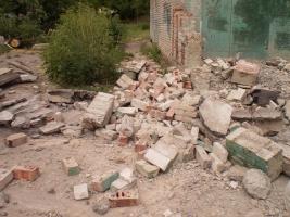 Луганск обстреливают со всех сторон – жители разбегаются