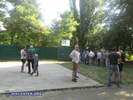 В Одессе жители Черемушек препятствуют строительству нового банка на месте зеленой зоны