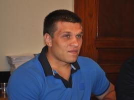 Николаевский боксер Сергей Деревянченко готовится к дебюту на профессиональном ринге в Нью-Йорке