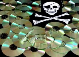 Николаевские правоохранители изъяли у частного предпринимателя около 3000 DVD-дисков, пропагандирующих насилие