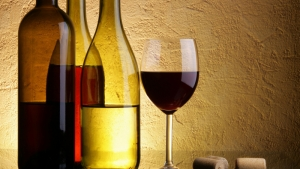 На Николаевщине одно из виноградарских предприятий незаконно производило алкогольные напитки