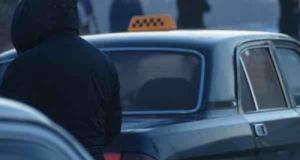 В центре Николаева совершено покушение на женщину-водителя такси