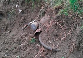 На Херсонщине похититель закопал украденный мопед посреди поля